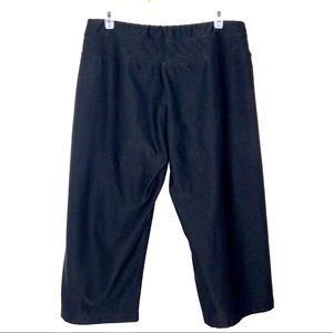 Lucy Pants - Lucy Black Athletic Capri Pants Size Large